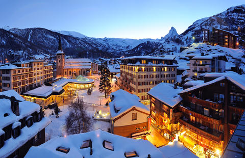 Winterstimmung: Grand Hotels im Dorfzentrum