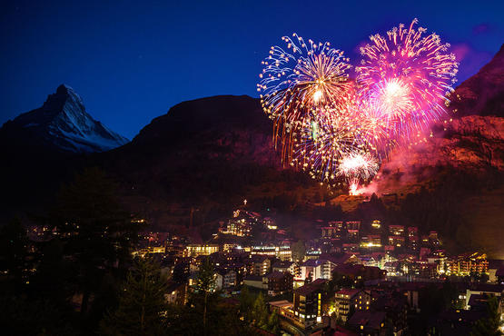 The National Holiday is one of the biggest celebrations in Zermatt. With street party, speeches, folklore and fireworks.
