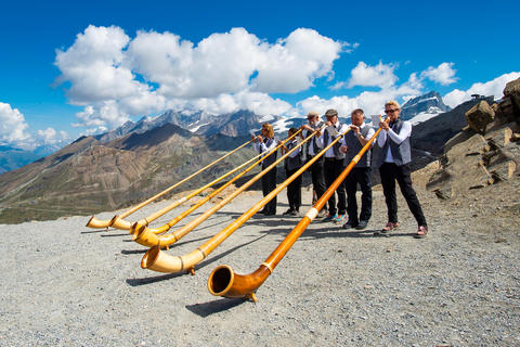 Wonder what it's like to play the alphorn?