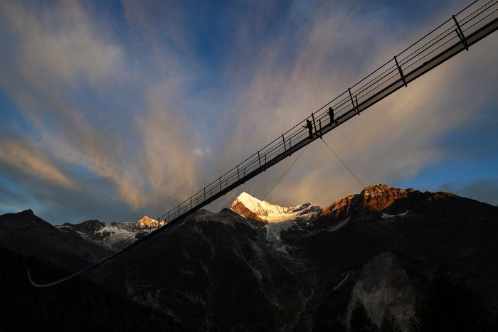 The Skiarea Test awarded the Charles Kuonen Suspension Bridge gold in the categories