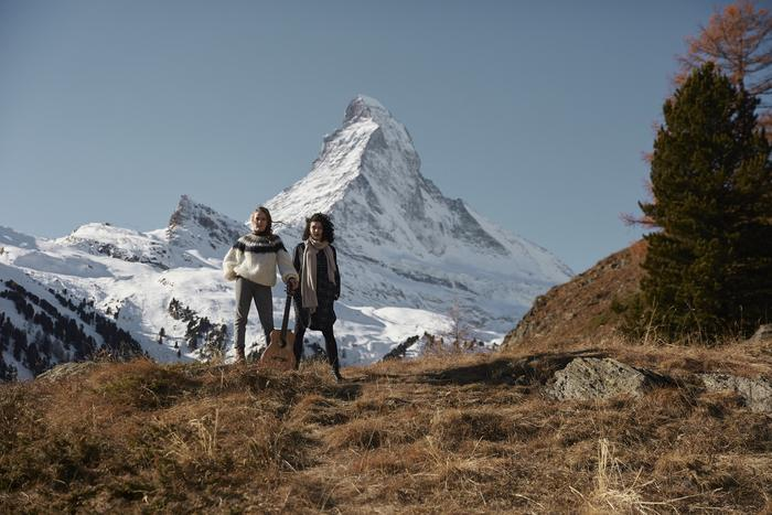 Zermatt Unplugged is proud to feature the Swiss artists Steiner & Madlaina for the festival campaign.