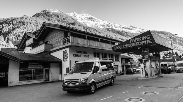 Travel by car to zermatt reserve your parking in t sch for Garage des taxis g7