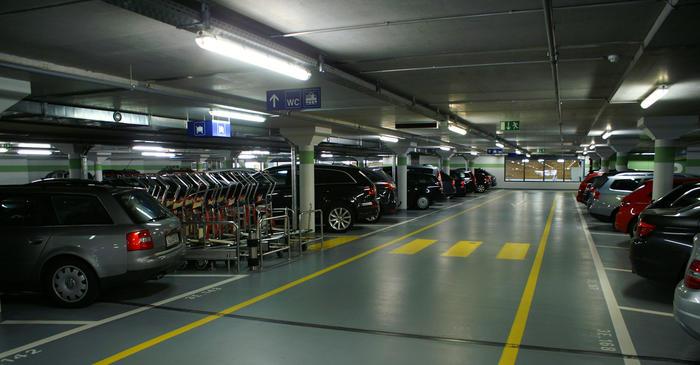 Travel by car to Zermatt - reserve your parking in Täsch